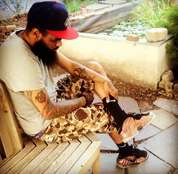 278081_Stalley_wearing_22Gym_Green22_Nike_Air_Foamposite_Pro_Image_via_solecollector_co