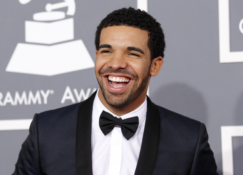 Rapper Drake arrives at the 55th annual Grammy Awards in Los Angeles, California February 10, 2013. REUTERS/Mario Anzuoni (UNITED STATES - Tags: ENTERTAINMENT) (GRAMMYS-ARRIVALS) - RTR3DM4C